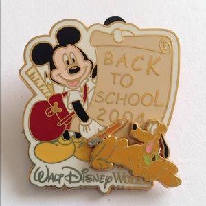 Disney Back to School 2004 Mickey & Pluto Pin